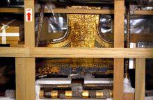 Tutanchamono lova ir vežimas iškeliavo į naują muziejų