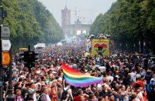 Į didelį gėjų paradą Berlyne susirinko prieš V. Putiną ir D. Trumpą nusiteikę žmonės