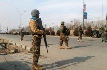 Kabule kovotojai atakuoja žvalgybos mokymų centrą