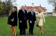 Prancūzijos vadovas pradėjo politinių pavojų temdomą valstybinį vizitą JAV