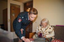 Naują pasą gavusi 102-ejų vilnietė susigraudino