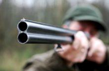 Seimo narys siūlo leisti aplinkosaugininkams tikrinti medžiotojų blaivumą