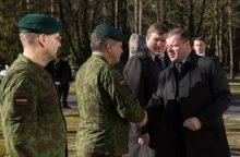 Lietuvą saugantiems kariams – premjero padėka