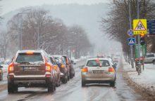 Kelininkai įspėja: naktį daug kur snigs, bus slidu