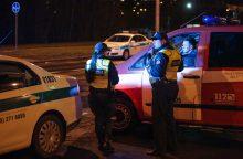 Girtuokliai prie vairo: vienas atsidūrė areštinėje, kitas – griovyje