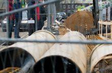 Vandentiekio avariją sostinės Žemaitės gatvėje tikimasi likviduoti penktadienio naktį