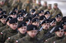 Pertvarkant lenkų kariuomenę pakeista dauguma aukščiausio rango vadų