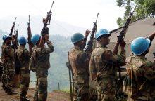 Indijoje karys nušovė keturis tarnybos draugus