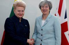 """D. Grybauskaitė žada T. May padėti ieškoti kūrybingų sprendimų dėl """"Brexit"""""""