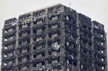 Britanijoje visi pastatų apdailos pavyzdžiai nepraėjo priešgaisrinės saugos testų