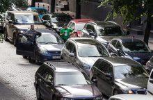 ES nuo 2030-ųjų uždraus automobilius su įprastais varikliais?