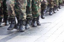 Šiauliuose iš penkto aukšto iškrito karys savanoris