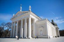Kas slypi sidabriniame Šv. Kazimiero karste Vilniaus arkikatedroje?