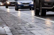 Situacija keliuose: pagrindiniai – drėgni arba sausi, mažesni – slidūs