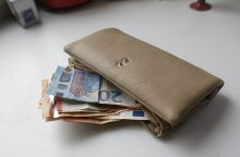 Estas Klaipėdos banke pateikė suklastotus pinigus