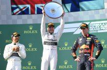 Aplenkė čempioną: pirmąsias naujo sezono F-1 lenktynes laimėjo suomis