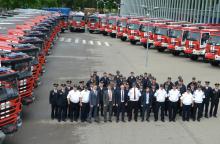 Ugniagesiams gelbėtojams perduotos 25 gaisrinės automobilinės cisternos