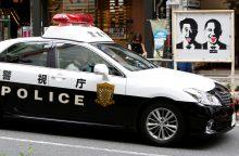 Japonijoje vyras bandė pavogti automobilį su policininkais viduje
