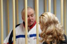 Britų teisėjas leido paimti apnuodytų Skripalių kraujo mėginius