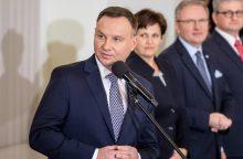 A. Duda džiaugiasi gerėjančiais santykiais su Lietuva, žada iškelti lenkų problemas
