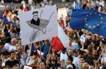 Lenkijai gresia izoliacija Europos Sąjungoje