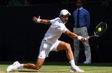 Serbas N. Djokovičius pergale pradėjo baigiamąjį ATP turnyrą