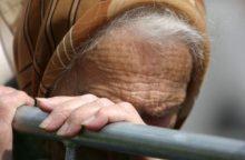 Už apiplėšimą bausmę atlikęs vyras nepasimokė: grasino peiliu ir vėl apiplėšė senolę