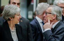 """Th. May giria """"pažangą"""" derybose dėl """"Brexit"""""""