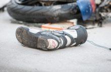 Prienų rajone žuvo į stulpą atsitrenkęs motociklininkas