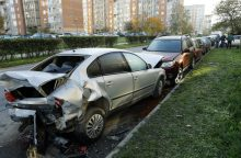 Mažeikiuose siautėjo girtas vairuotojas – apdaužė šešis automobilius