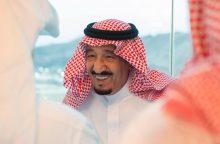 Saudo Arabijos karalius penktadaliu sumažino ministrų atlyginimus
