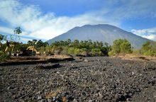 Dėl galimo ugnikalnio išsiveržimo Balyje evakuojasi tūkstančiai žmonių