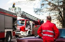 Ugniagesiai sukelti ant kojų: Aleksote dega ūkiniai pastatai <span style=color:red;>(pildoma)</span>
