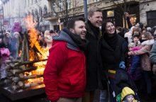 Šimtmečio proga Vilniuje suliepsnojo laužai