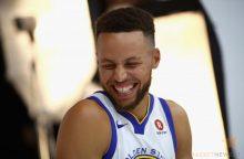 D. Trumpas nebekviečia S. Curry apsilankyti Baltuosiuose rūmuose