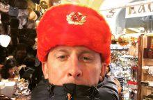 Maskvoje viešintis E. Dragūnas demonstruoja sovietinę simboliką
