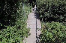 Šilainių gyventoja: norint užlipti laiptais, reikia būti akrobatu