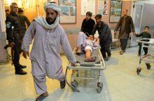 Talibano kovotojų ataka pražudė 15 afganų karių