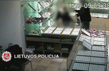 Atskleistas ginkluotas juvelyrikos parduotuvės apiplėšimas <span style=color:red;>(vaizdo įrašas)</span>