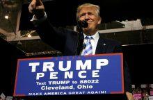 H. Clinton: D. Trumpo pozicija – grėsmė JAV demokratijai