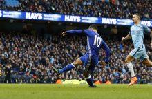 """""""Manchester City"""" pralaimėjimą """"Chelsea"""" ekipai vainikavo dvi raudonos kortelės"""