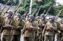 Lenkija švenčia Kariuomenės dieną, ragina įkurti nuolatinę JAV karinę bazę