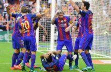 """""""Barcelona"""" yra griaunama iš jos vidaus"""