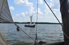Po Kuršių marias pasklido istoriniai laivai