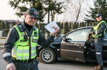 Neringoje vairuotojai nuo atsakomybės bandė išsisukti siūlydami kyšius