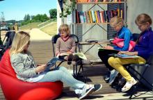 Prie Lampėdžio ežero vilioja  ir neįprasta biblioteka