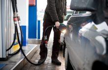 Tyrimas: vilniečiai už degalus moka brangiau nei kauniečiai