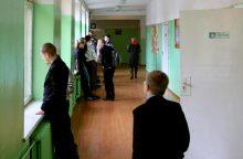 Mokytojų budėjimo per pertraukas rebusas pasiekė Seimą