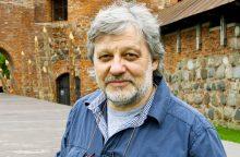 V. Rumšas: lietuviai emigruoja, nes jiems atsibodo melas