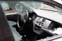 Pavogęs mašiną girtas jaunuolis pateko į avariją